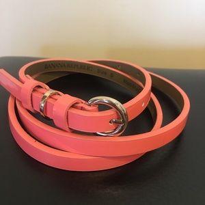 BANANA REPUBLIC Skinny Patent Belt. Size-Small